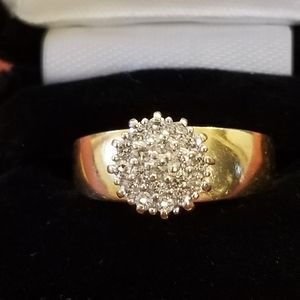 Lady's Diamond Cluster Ring in 14k Yellow Gold